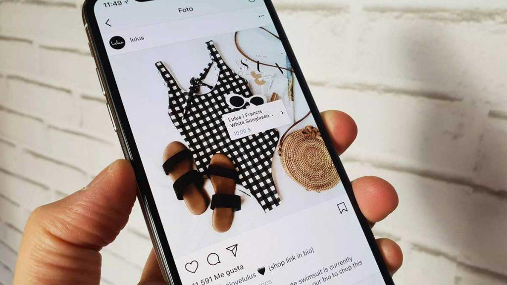 Loja no Instagram exibindo um produto em um celular.